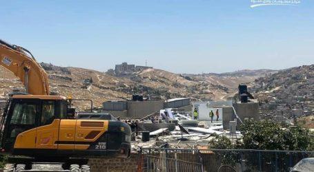Israeli Police Demolish Palestinian Buildings in Silwan
