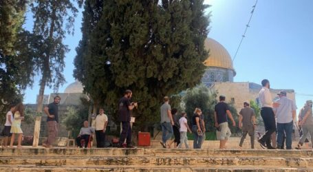 Israeli Forces Cut Wires of Loudspeakers in Al-Aqsa and Close Al-Qibli Prayer Hall