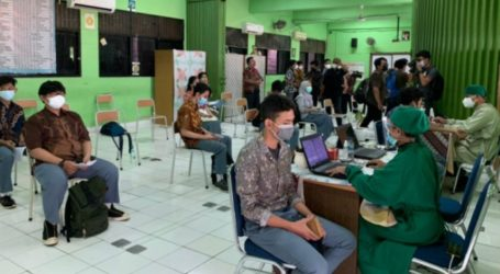 Jakarta Holds First Covid-19 Vaccinations for Children