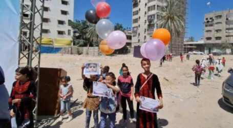 Palestinians Release Balloons to Honor Gaza Children Slain by Israel