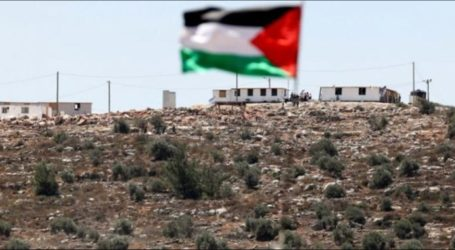 Palestinian Youths Protest Israeli Settlement Construction on Mount Sabih