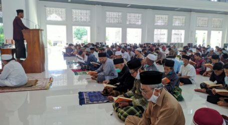 Reciting Qur'an After Every Five Fardhu Prayers To Deal With Covid-19