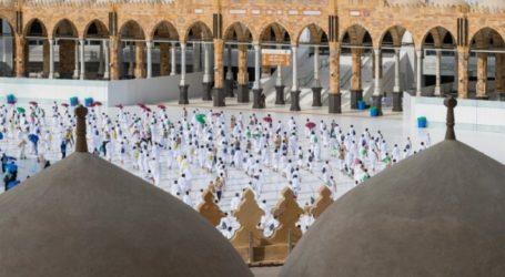 First Foreign Umrah Pilgrims Arrive in Saudi