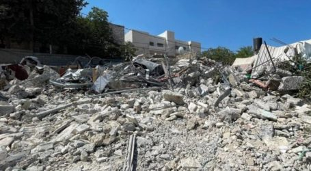 Five Palestinian Families Forced to Demolish Their Own Homes in Jerusalem