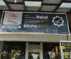 SMEs Put Halal Product Banners After Free Certification