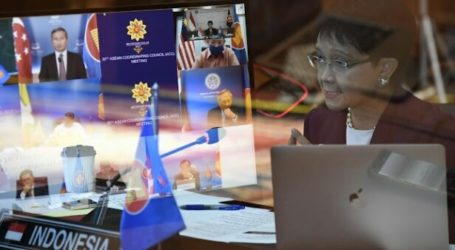 ASEAN Hand Over US$ 1.1 Million of Humanitarian Aid to Myanmar
